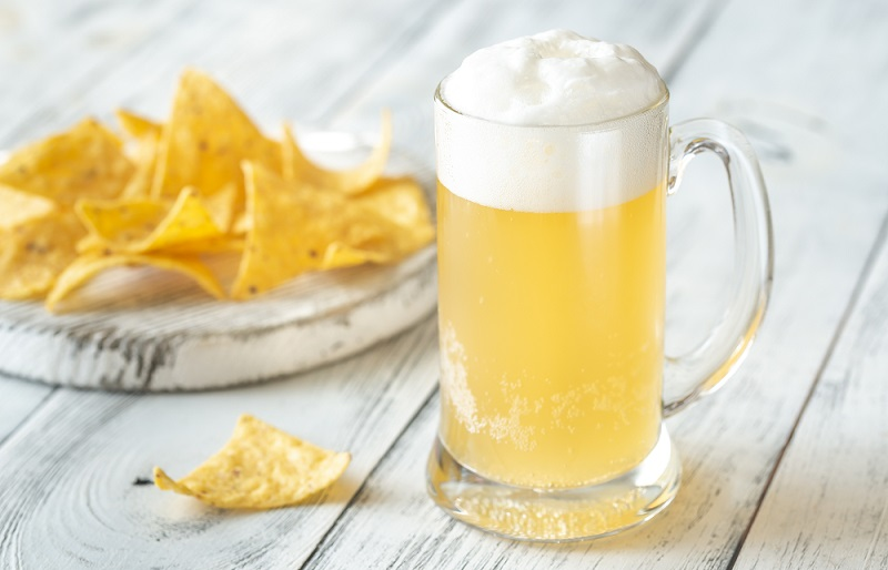 corona beer and chips